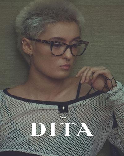 edf704d31b7b4a Een bril is een van de belangrijkste mode-accessoires van deze tijd. Grote  ontwerpers als Prada