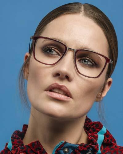 0a587965ca2749 Een bril is een van de belangrijkste mode-accessoires van deze tijd. Grote  ontwerpers als Chanel
